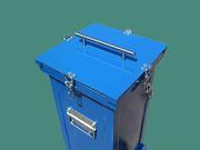 Герметичный контейнер для боя медицинских термометров и ртутных ламп.