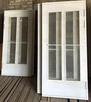 Строительные деревянные и входные металлические двери.