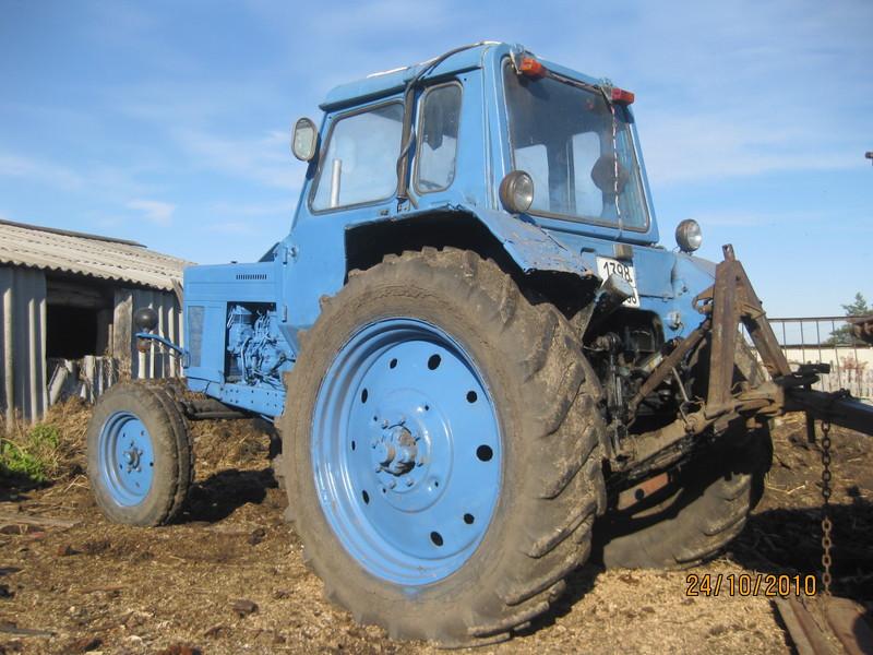 Продам трактор юмз и телега в городе Скопине. Цена 75000.